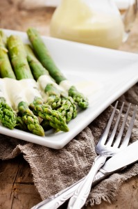 Asparagus with Spicy Cream Sauce