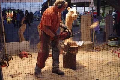 fair-chainsaw-artist