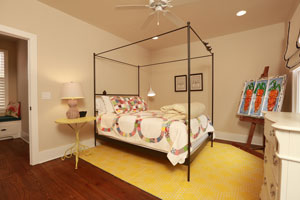 Wrought-Iron-Canopy-Bed