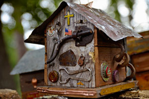 people-4-birdhouse
